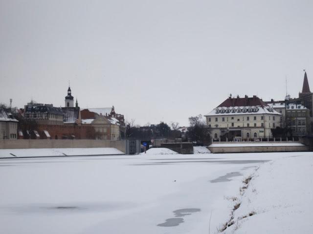 Opole - zamarznięta Odra i starówka