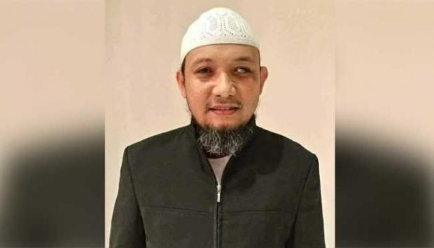 Penglihatannya Berkurang, Novel Tidak Bisa Lagi Baca Qur'an