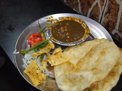 Bhopal Beat | Chole bhature at Little Hut