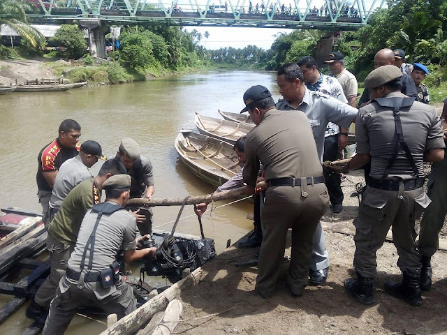 Menambang Secara Ilegal Tim  SK4 Padang Pariaman Sita Tiga Mesin Dompeng di Bukik Gonggang Campago Kecamatan V Koto Kampung Dalam