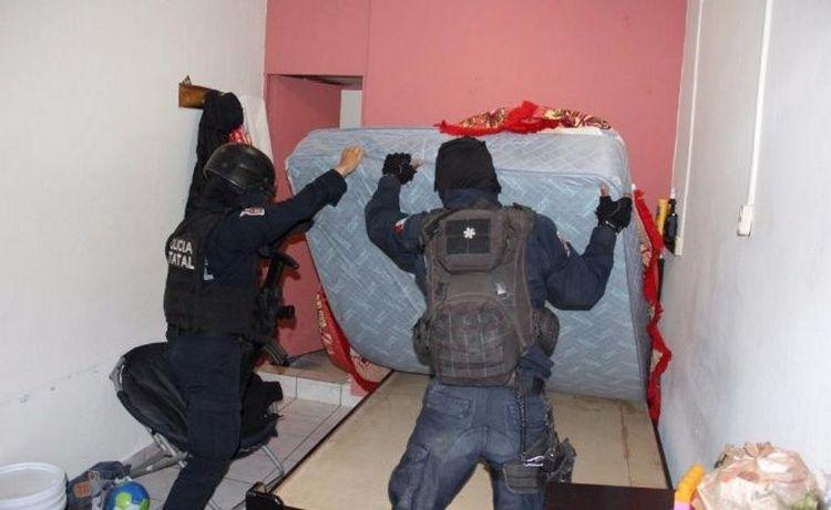"""Esto hallaron en celda """"de lujo"""" de El Azulito en Culiacán"""