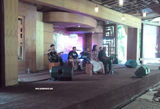 Live music di Kampung Coklat, Blitar
