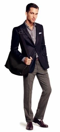 Vestir casual para el trabajo no significa ponerte una camisa holgada 56f9f7d0e3500