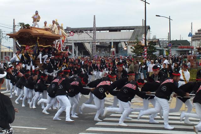 Kishiwada Danjiri Matsuri (speedy float parade), Kishiwada City, Osaka