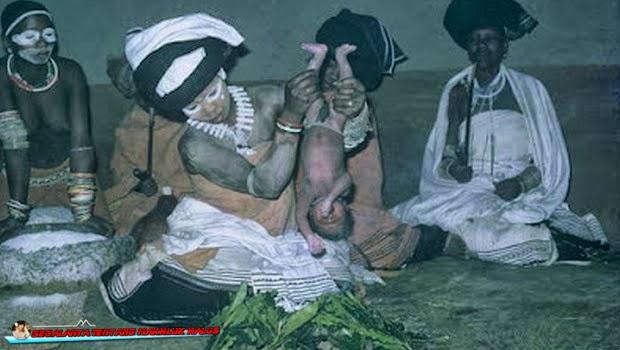 Ritual Mengkorbankan Bayi Paling Sadis di Dunia