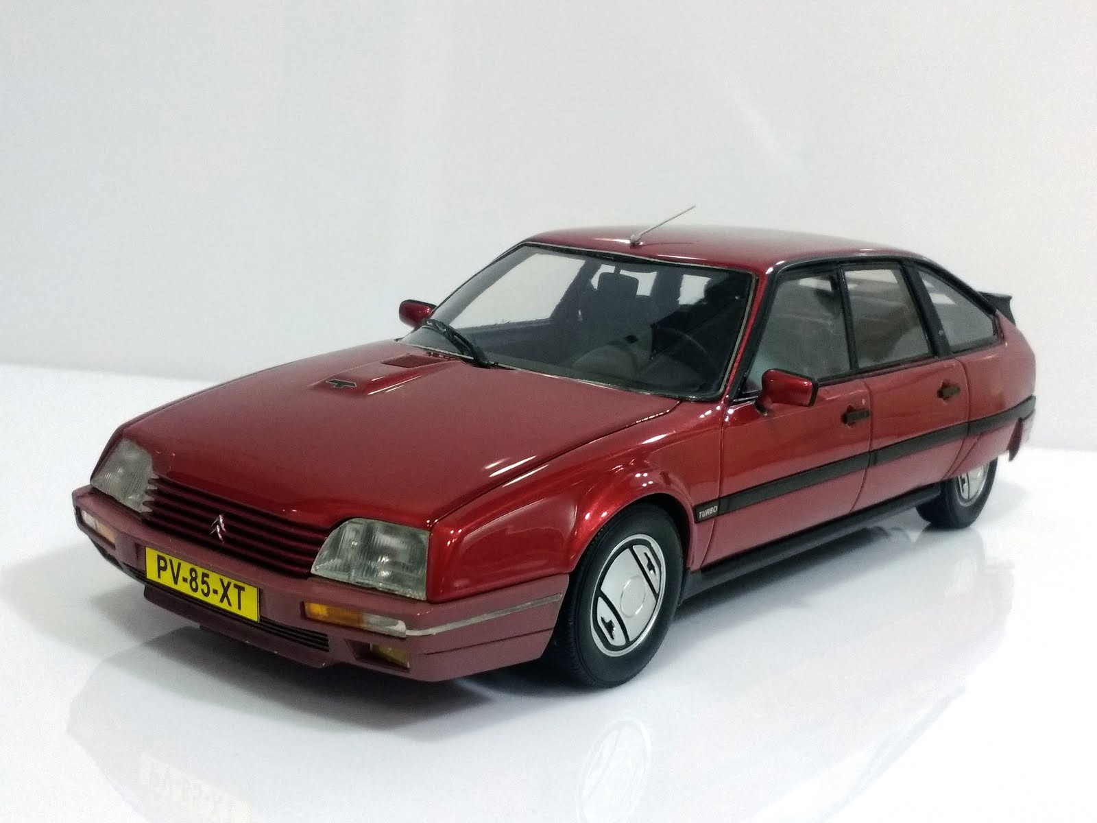 Citroën CX 25 GTi Turbo 2 '86 - Neo Scale Models