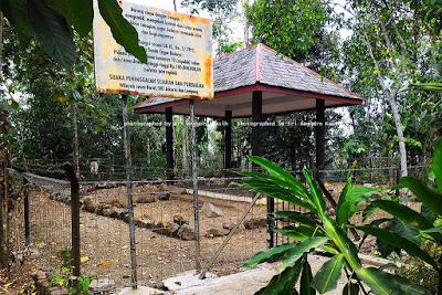 Peninggalan sejarah Situs Purbakala Lingga Yoni di Kota Tasikmalaya.