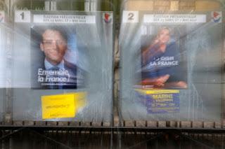 Γαλλικές εκλογές: Δημοσκόπηση... πονοκέφαλος για Μακρόν - Ανεβαίνει η Λε Πεν