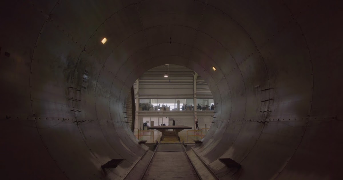 Primera-capsula-hyperloop-carbures-mosingenieros