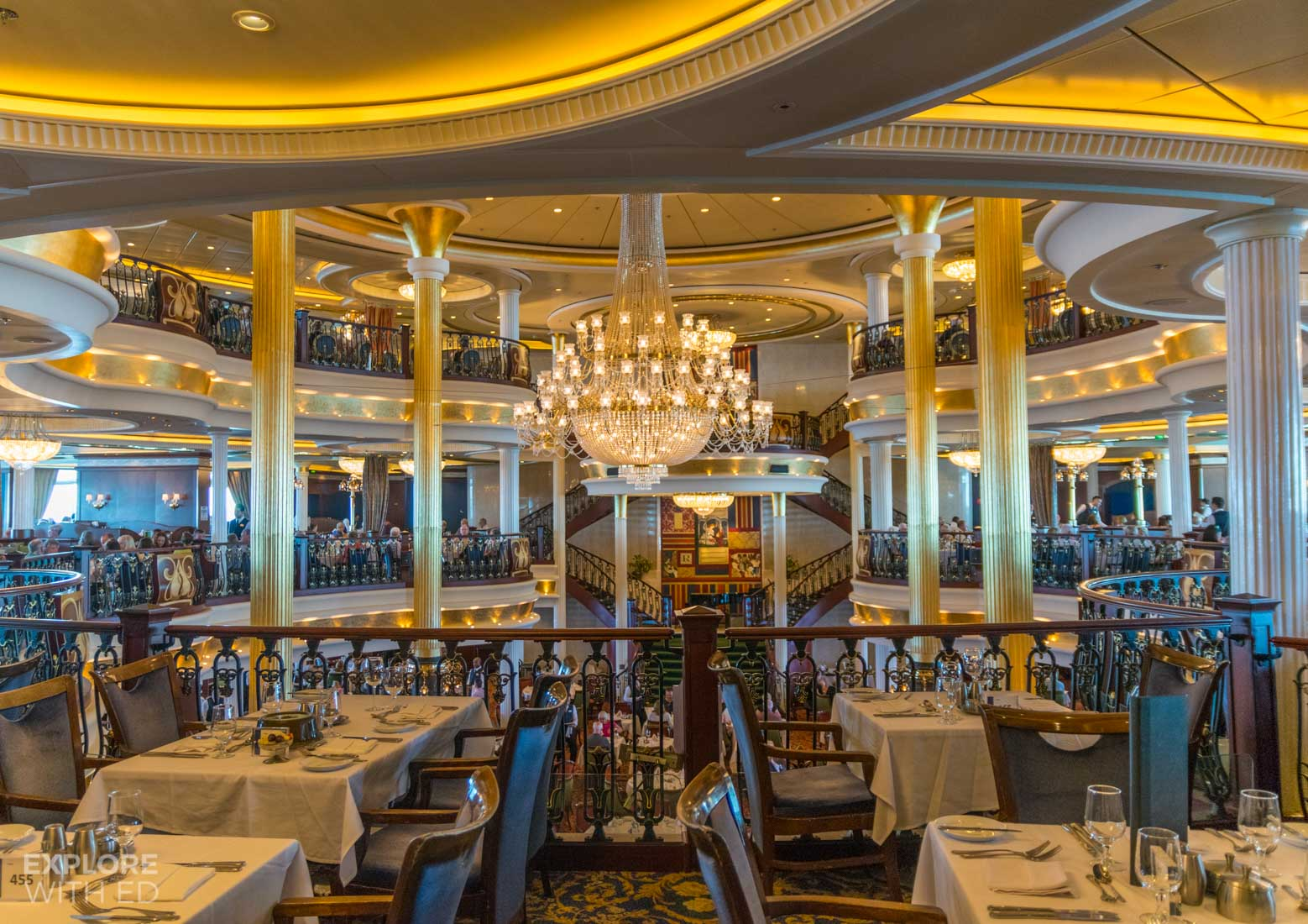 The main dining room onboard Independence of the Seas
