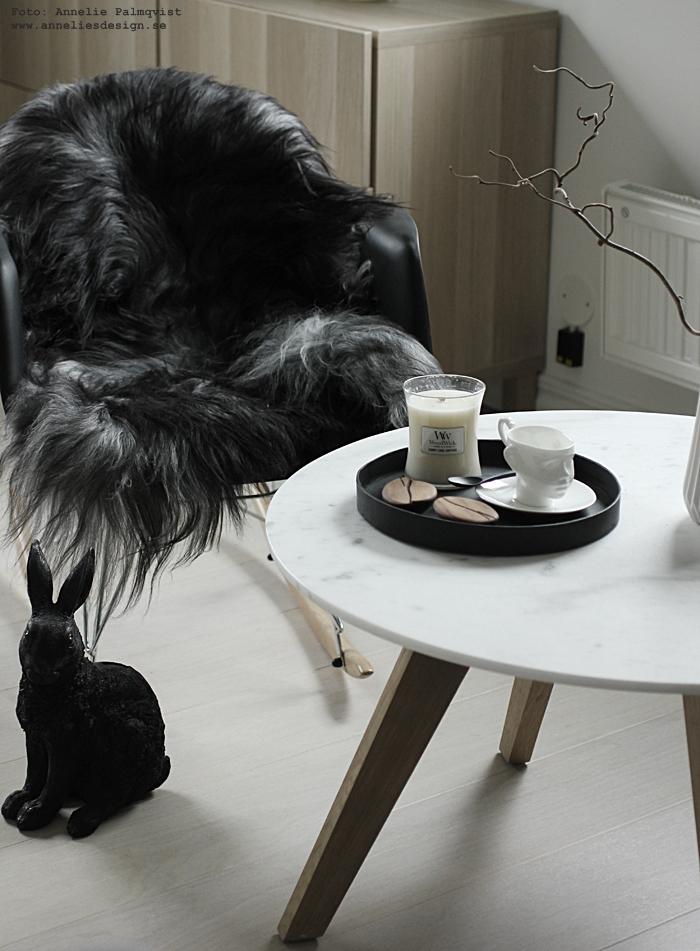 annelies design, webbutik, webshp, nätbutik, nettbutikk, nätbutiker, inredning, ansikte mugg, muggar, kaffe, woodwick doftljus, doftljus, sprakande veke, bricka, Oohh, sked, kaffeböna, arabica, alexander ortlieb, dekoration, fårskinn, skinn, fäll, isländska långhåriga fårskinn, the organic sheep, vitt, vit, vita, svartvit, svart och vitt, grå, gråa, kanin, kaniner, sparbössa, sparbössor, gungstol, stol,