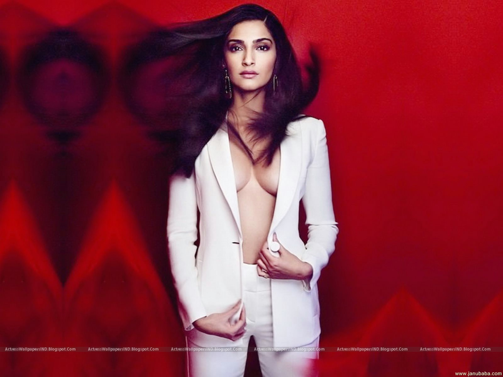 Sonam Kapoor Pictures Hd Latest Wallpapers - A Wind-5711
