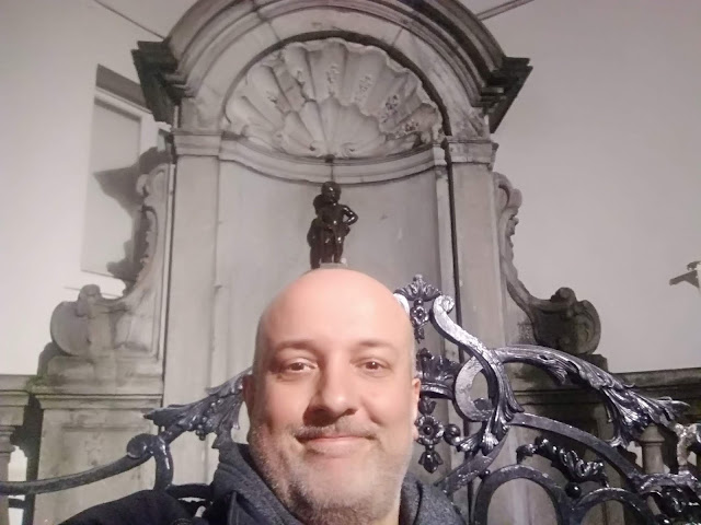 Stathis at Manneken Pis
