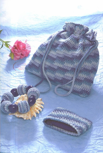 Bracelet, petit sac, porte monnaie au crochet