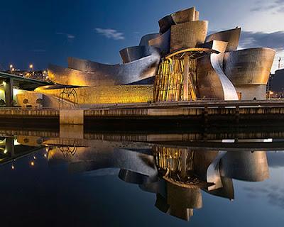 Guggenheim Museum in Bilbao - Frank Gehry