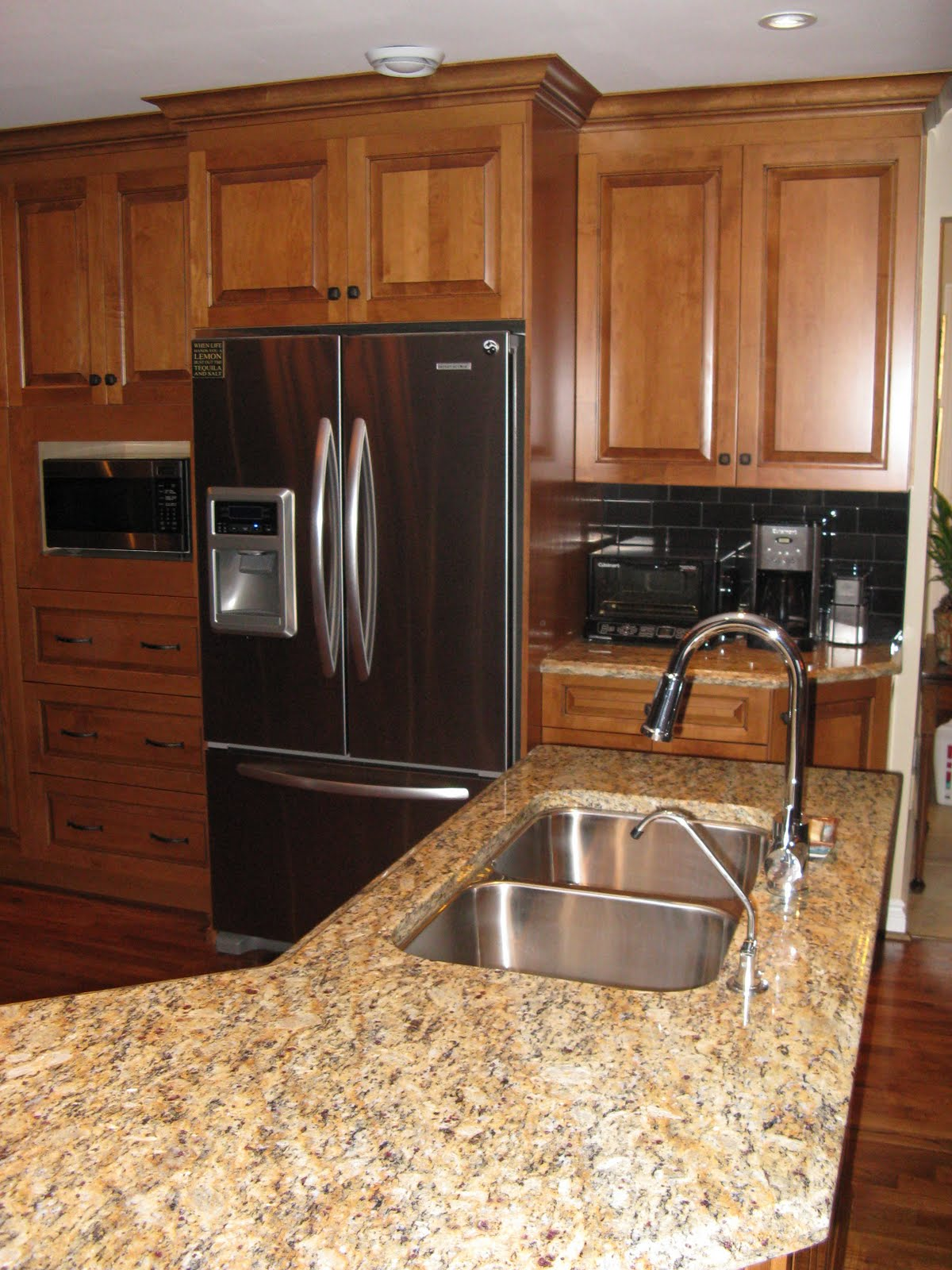 FIVE STAR PHOTO GALLERY: Maple Cabinets on Dark Maple Cabinets  id=35004