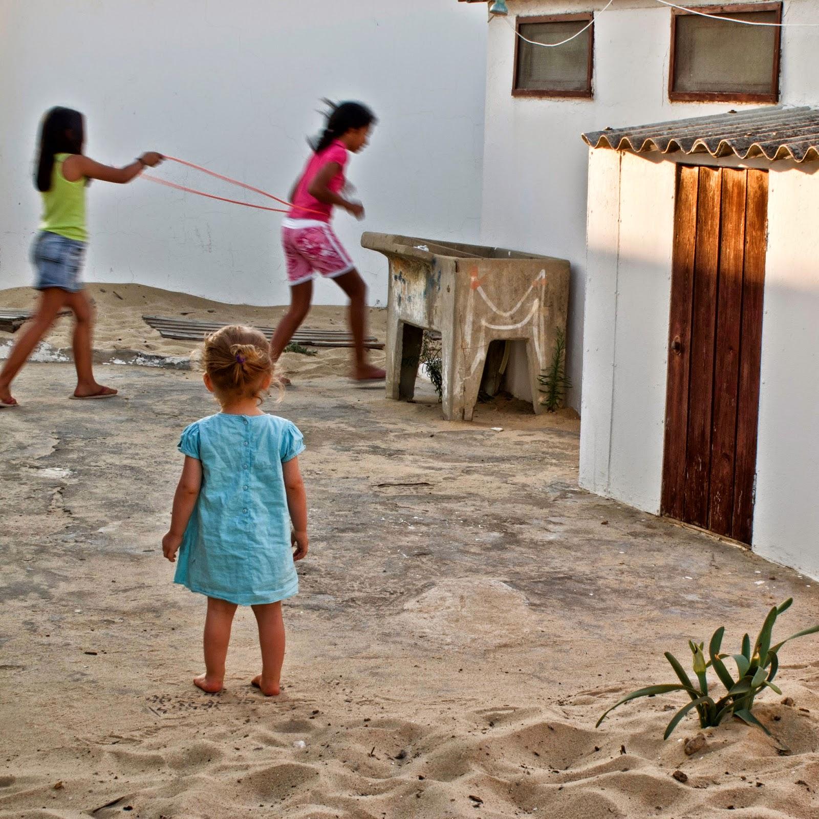 Wonderscape, Natasha Revez, paisagem estranha entranha, wall, 2012, 2014, Porto, Tavira