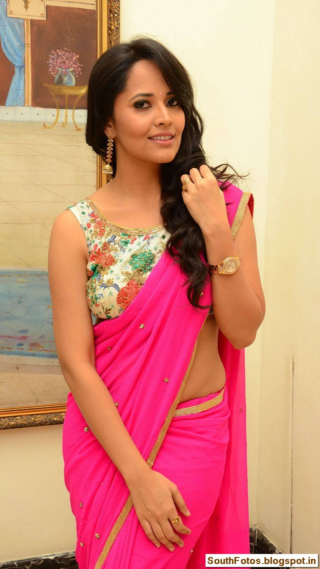 Anasuya Bharadwaj Hot in Saree Wallpapers