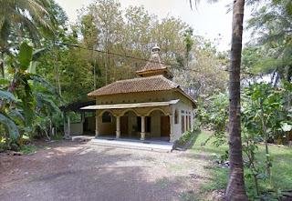 Masjid Pantai Anakan Sidomulyo Pacitan