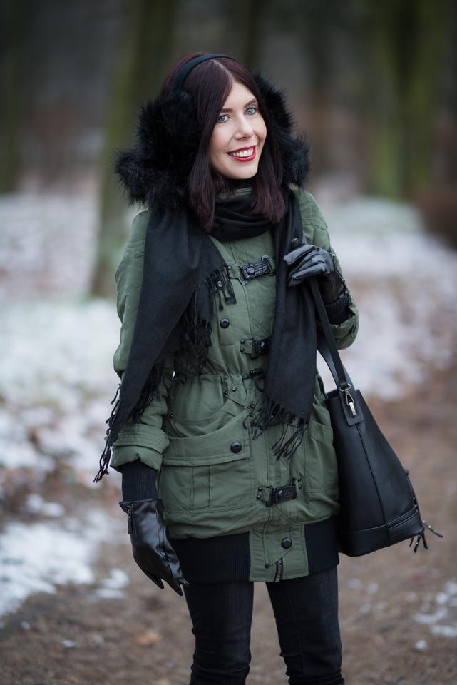 nauszniki zamiast czapki | nauszniki na zimę | jak nosić nauszniki | parka New Yorker | zimowa stylizacja | outfit na zimę | blog o modzie | blog modowy | blog szafiarski | blogerka z Łodzi