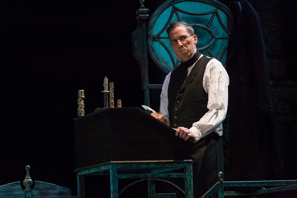 Christmas Carol Scrooge.Jay Harvey Upstage A Christmas Carol At Irt Scrooge Can