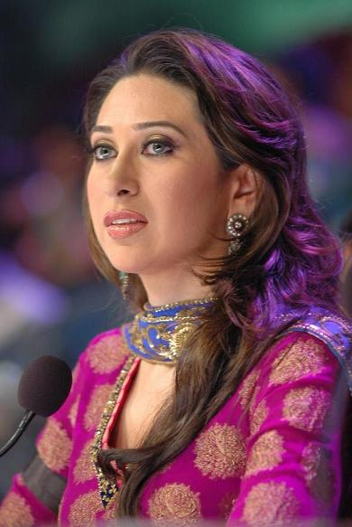 Bollywood Masala World Hot Karishma Kapoor Photos, Pics -4421