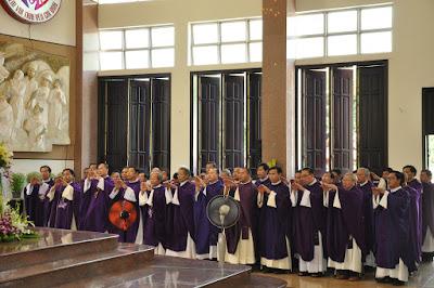 GP Bà Rịa: Thánh lễ an táng Cha Cố Phêrô Nguyễn Văn Giản - Ảnh minh hoạ 26