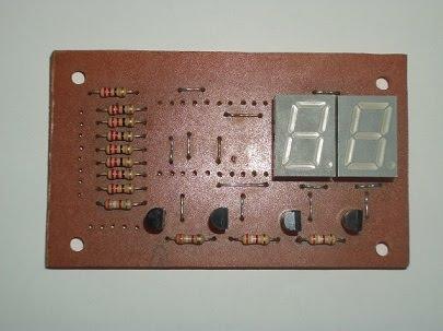 Display de leds componentes 2.