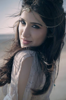 Sagarika Ghatge hot, movies, husband, family, marriage, mother, parents, father, bikini, instagram, hot pics, upcoming movies, in saree, biography, wiki