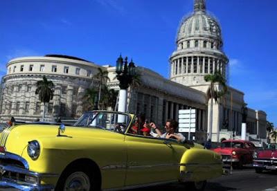 """EEUU insta a sus ciudadanos a """"reconsiderar el viaje"""" a Cuba"""