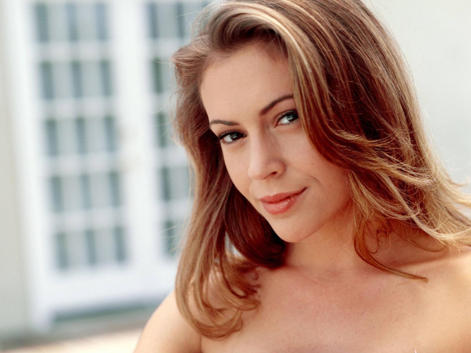 milano actress Alyssa