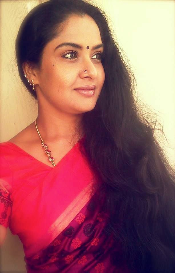 Telugu Side Actress Pragathi Aunty Unseen Hot Photos