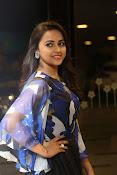 sri divya latest glam pics-thumbnail-7