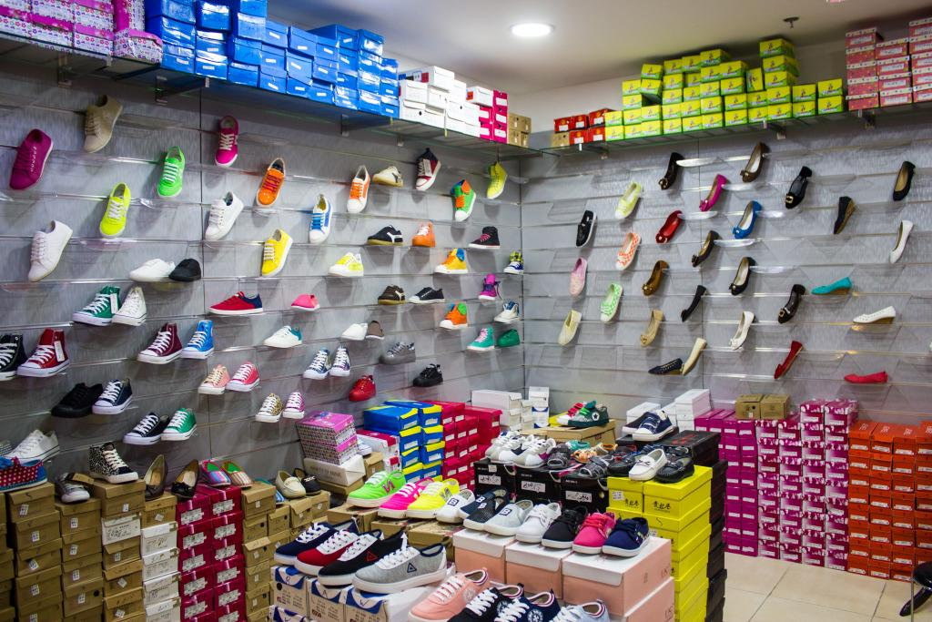 دراسة جدوى فكرة مشروع مكتب أحذية جملة فى مصر 2019