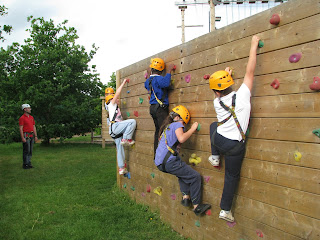 Childres doing a climbing session