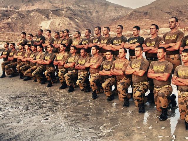 داخل-مصنع-الرجال-قوات-المظلات-الجيش-المصري-كالتشر-عربية