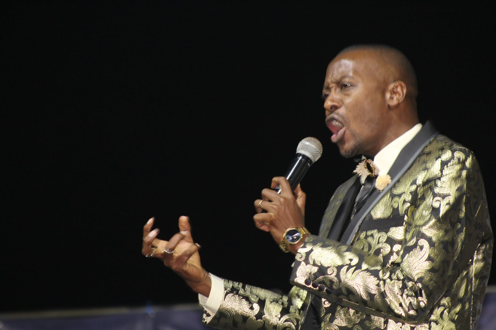 Gallery Of Pictures: Apostle Pride Sibiya Preaches At Tiyambuke - Close The Door and Prevent The Snake From Entering