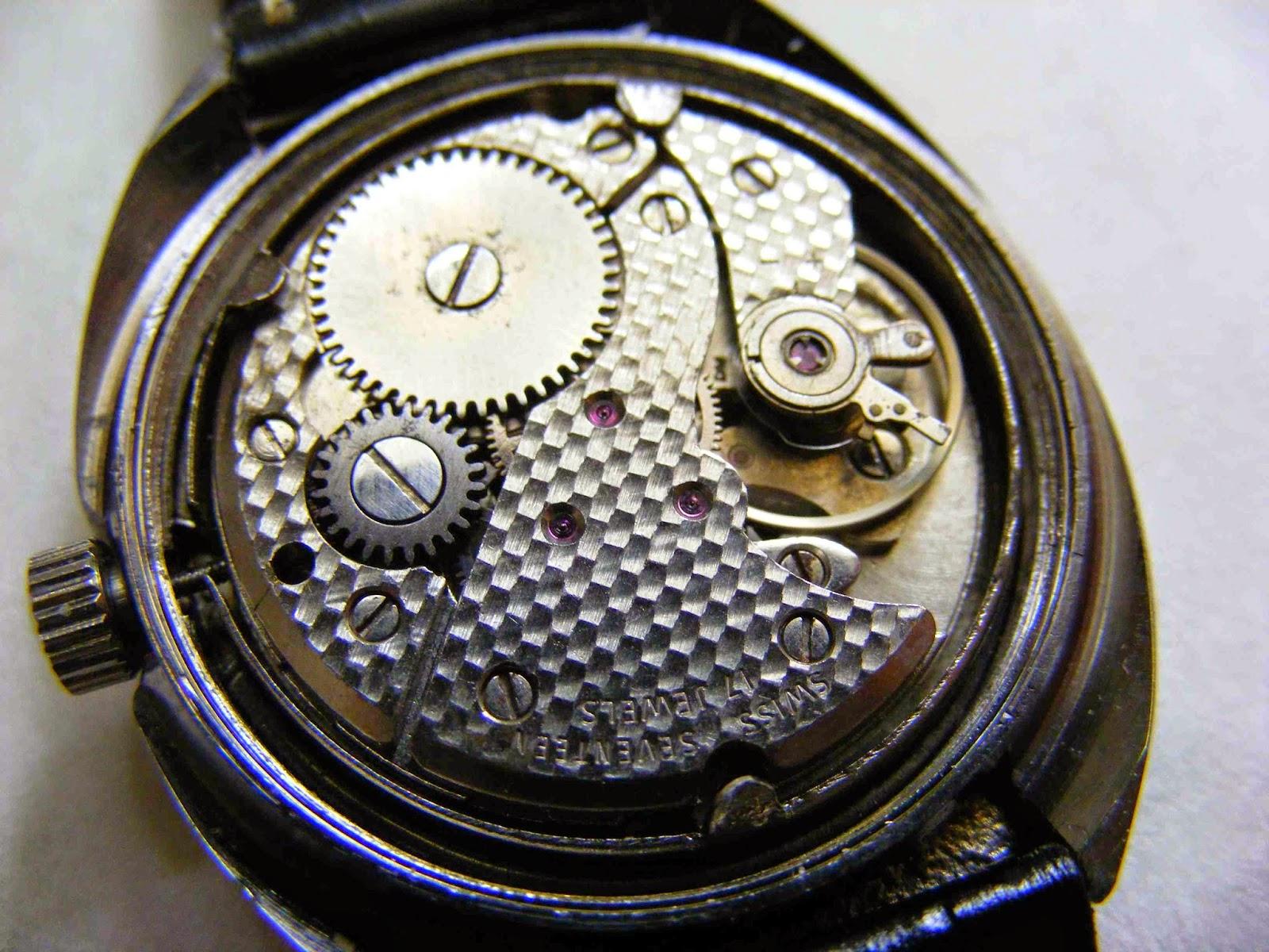 vintage mechanical watch handwind lanco inside