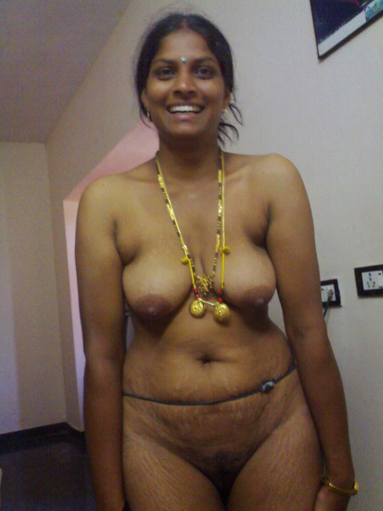 South Indian Wife Removing Her Saree To Show Her Naked -4093
