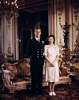 İngiliz Kraliyet Ailesi Gelinleri Nişan Duyurularında Ne Tercih Etmiş?