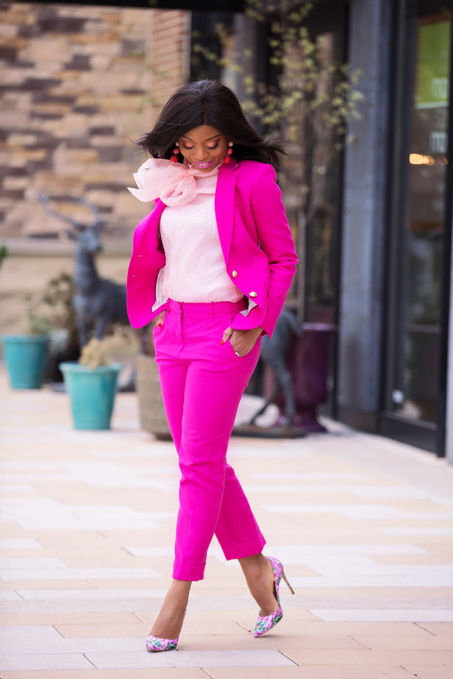 The future is female, pink suit, www.jadore-fashion.com