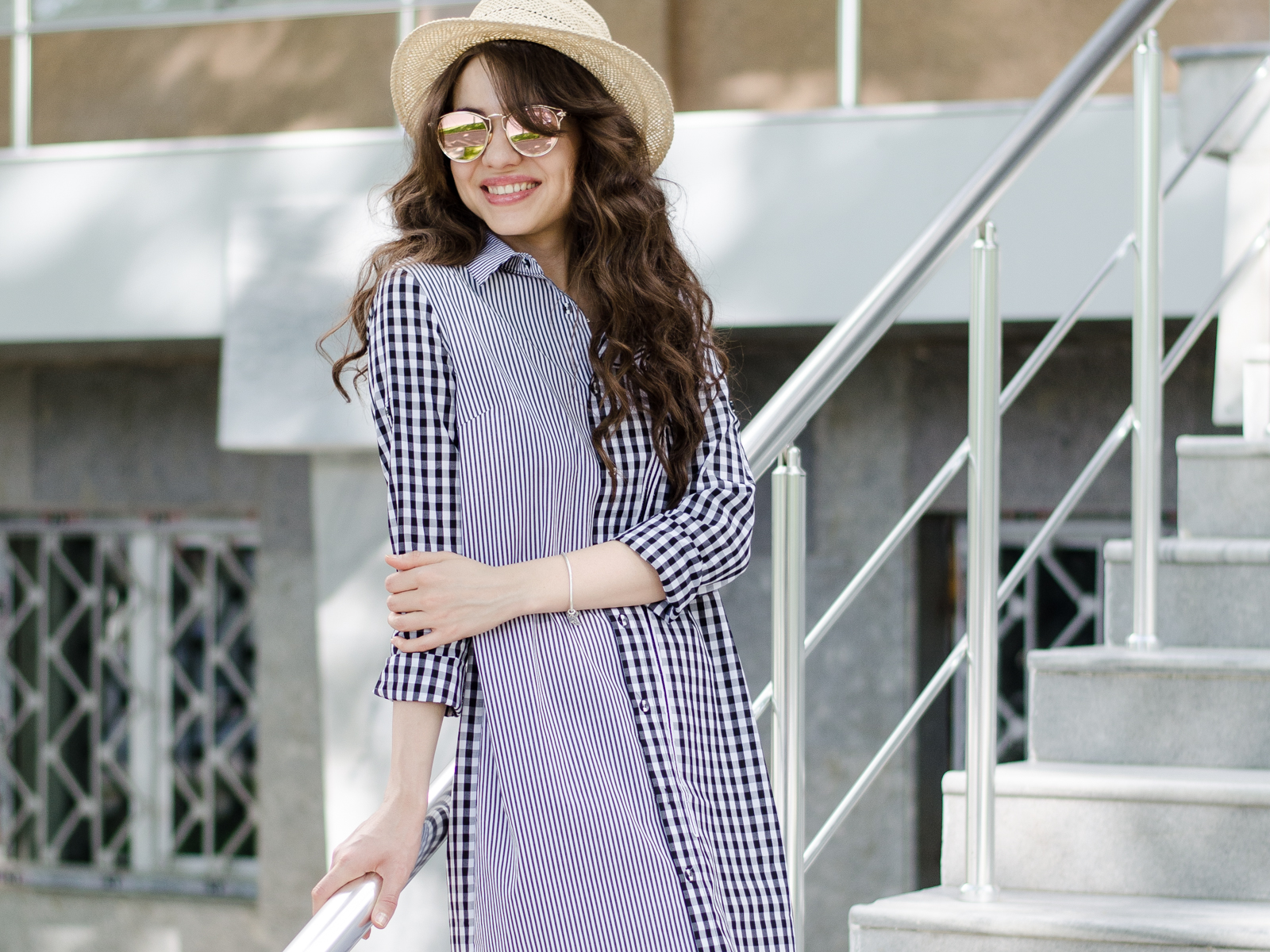fashion blogger fashion diyorasnotes diyora beta shirt dress vipme espadrilles asos straw hat white bag