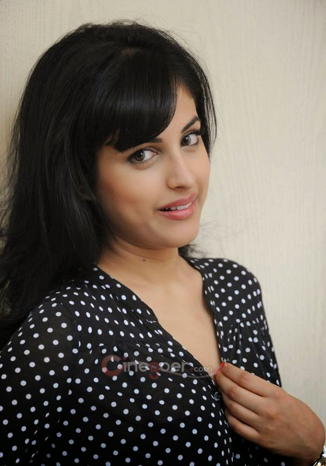 Vip Girl Photo, Smart girl photo, Beauty girl Gallery, Cute indiaan Girl pic Collection, Indian actress Photo,HD Girls pics, lovely girl, sweet girl