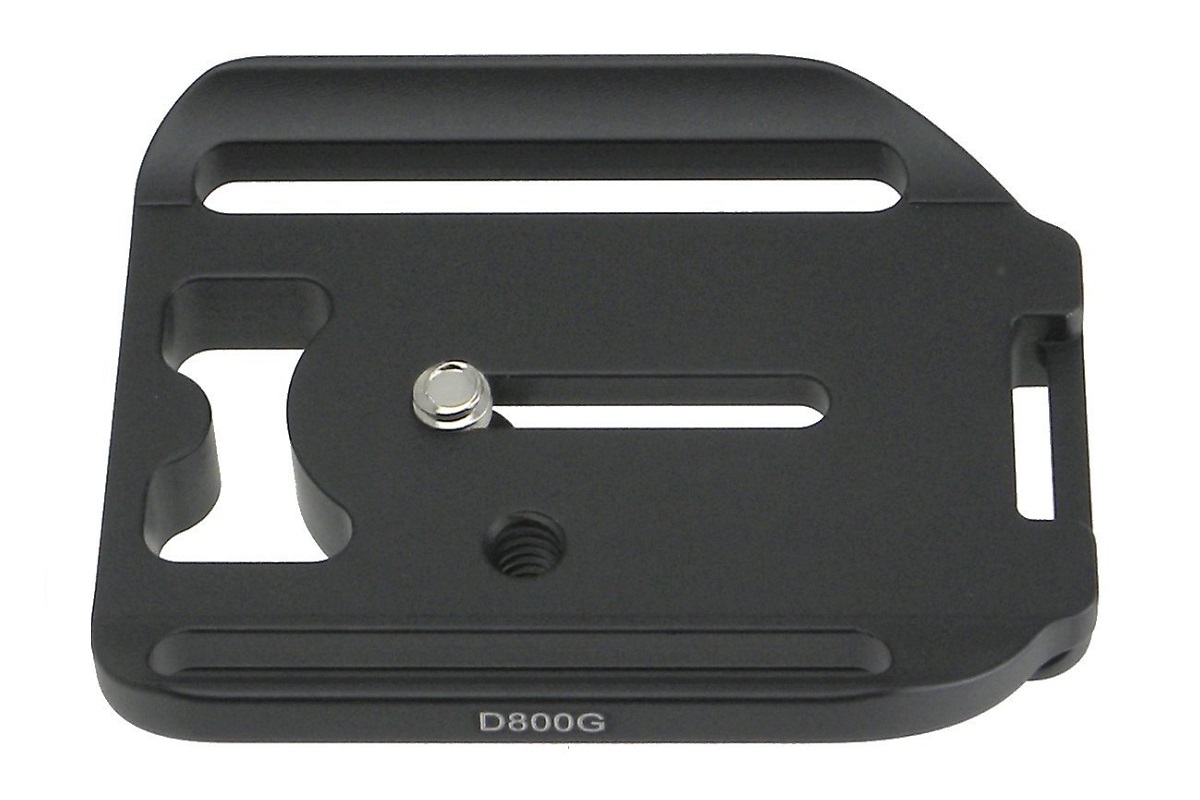 Desmond D800G QR plate for Nikon D800 / MB-D12 grip - top view
