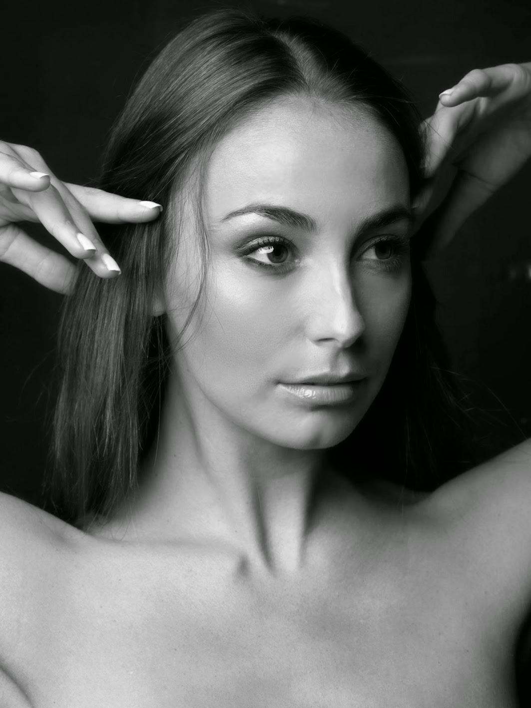 Bree Robertson Nude Photos