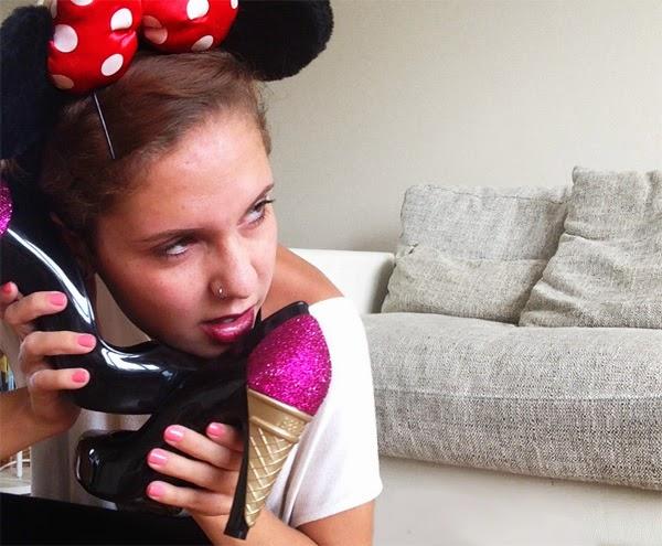 Karl Lagerfeld Schuhe Melissa Eiswaffel Heels billige Chanel Schuhe Maus Ohren Disneyland Haarband Disney
