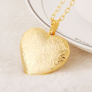 Heart Photo Locket Pendant for Women