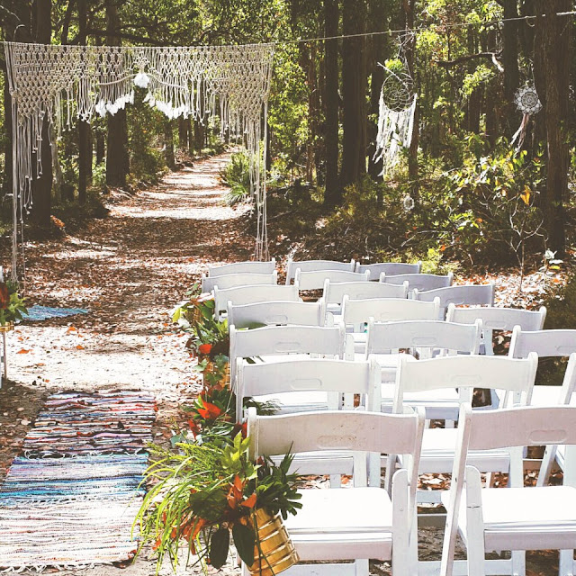 https://hayleygemma.com.au/2015/02/05/massive-macrame-backdrops-custom-orders/