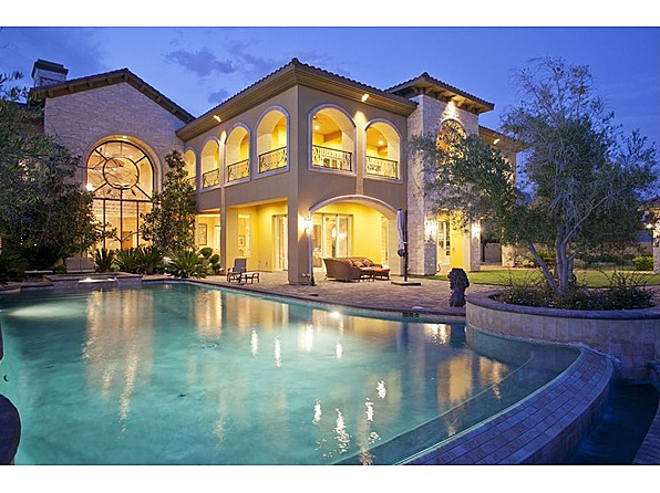Mansions Amp More Guard Gated Stone Mansion In Las Vegas