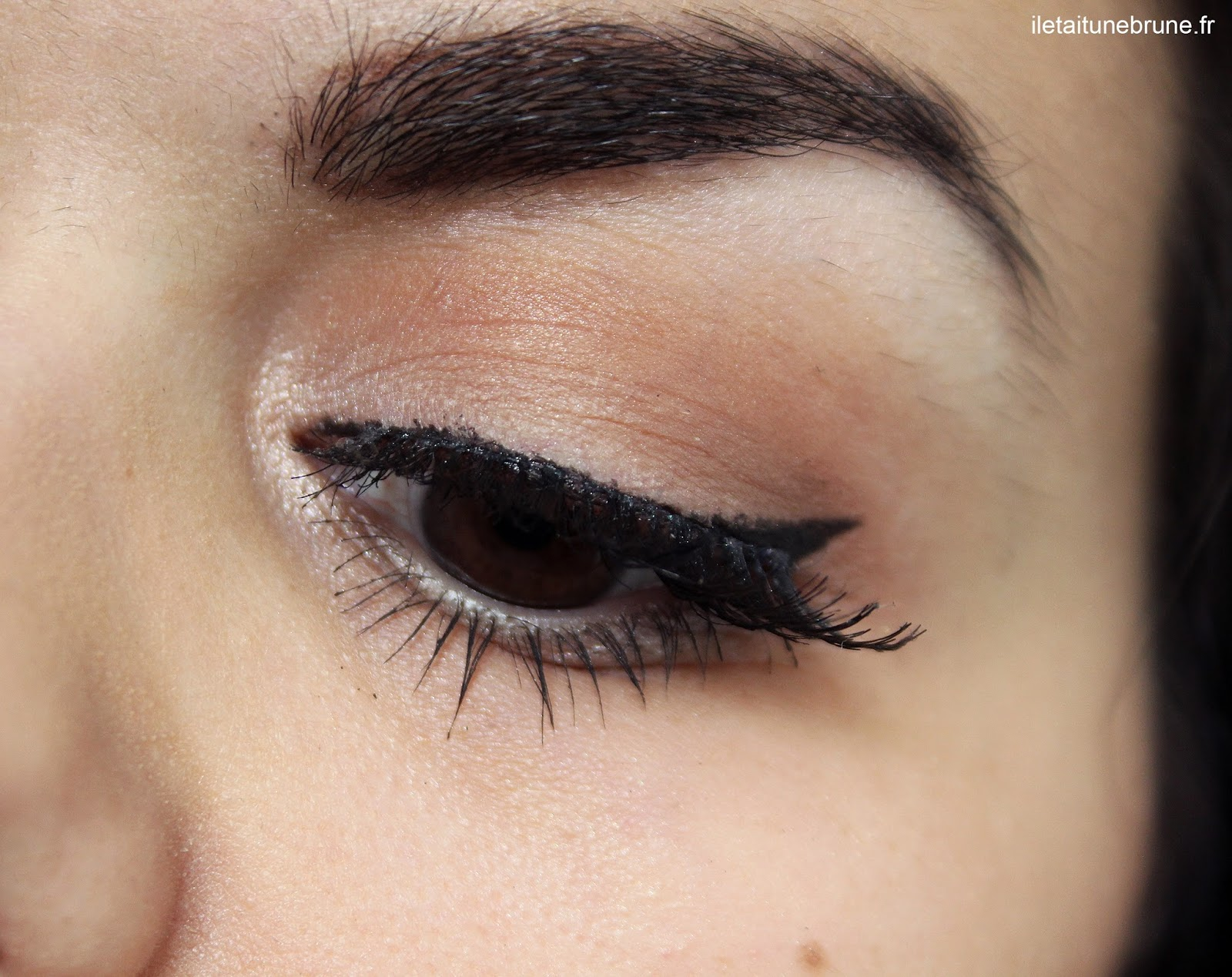 maquillage des yeux nude